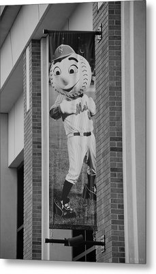 Mr Met In Black And White Metal Print by Rob Hans