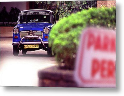 Mumbai Taxi Metal Print