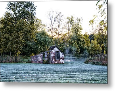 Narcissa Springhouse In Fall Metal Print by Bill Cannon