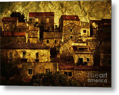 Neighbourhood Metal Print by Andrew Paranavitana