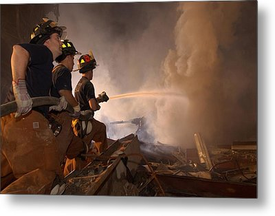 New York Firefighters Continue Metal Print by Everett