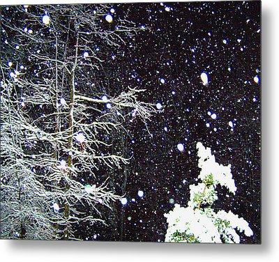 Night Snow Metal Print by Sandi OReilly
