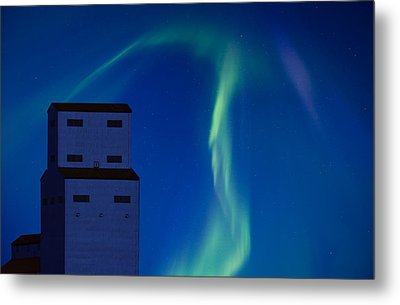 Northern Lights And Grain Elevator Metal Print by Mark Duffy