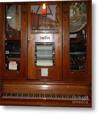 Nostalgic Wurlitzer Player Piano . 7d14400 Metal Print by Wingsdomain Art and Photography