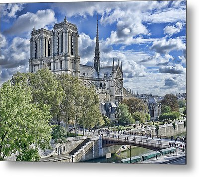 Metal Print featuring the photograph Notre Dame by Hugh Smith