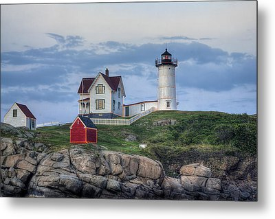 Nubble Light At Dusk Metal Print by Eric Gendron