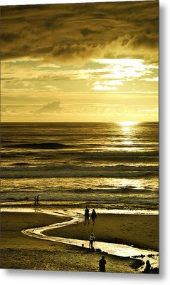 Ocean Play 2 Metal Print by Dale Stillman