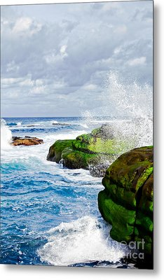 Ocean Wave Breaks On La Jolla California's Pacific Coast Metal Print by Susan McKenzie