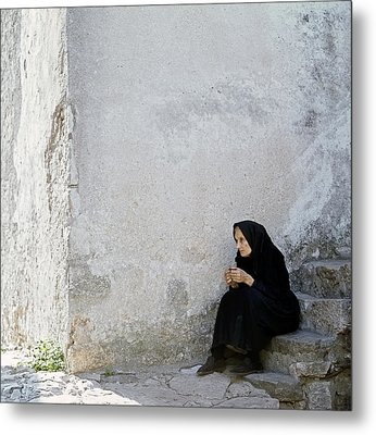 Old Age Woman Sitting Metal Print by Juan Carlos Ferro Duque