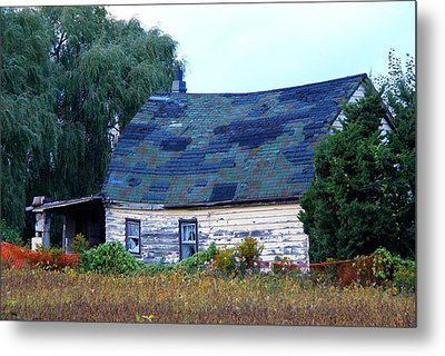 Metal Print featuring the photograph Old Barn by Davandra Cribbie