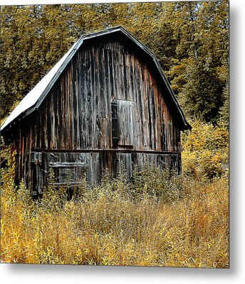 Old Barn Metal Print by Gordon Engebretson