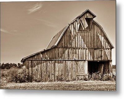Old Barn In Sepia Metal Print by Douglas Barnett
