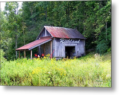 Old Barn Near Silversteen Road Metal Print