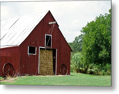 Old Bonham Barn II Metal Print by Lisa Moore