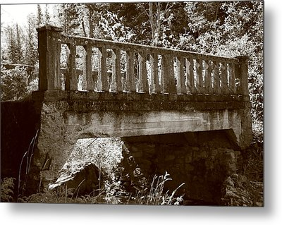 Metal Print featuring the photograph Old Bridge by Paula Brown