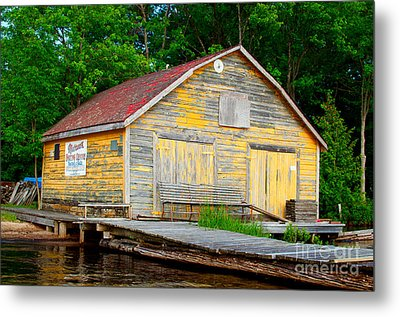 Metal Print featuring the photograph Old Cabin by Les Palenik