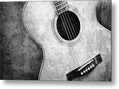 Old Guitar Black And White Metal Print by Nattapon Wongwean