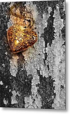 Old Heart  Metal Print by Natee Srisuk