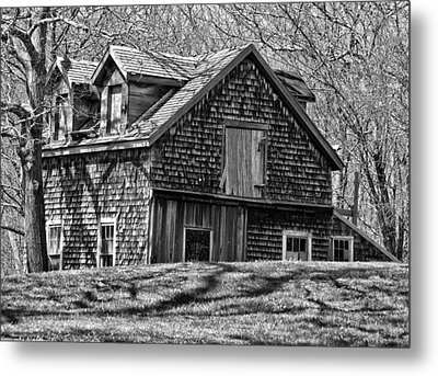 Metal Print featuring the photograph Old House In Adamsville Ri by Nancy De Flon