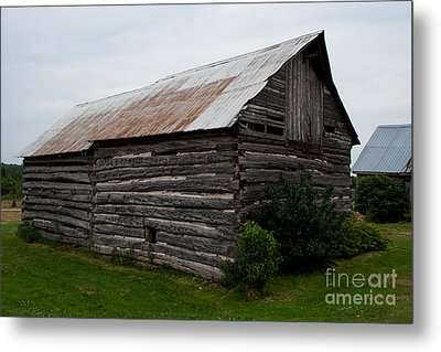 Metal Print featuring the photograph Old Log Building by Barbara McMahon