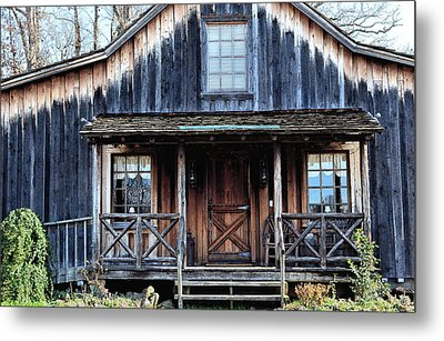 Old Log House2 Metal Print by Sandi OReilly