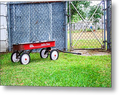 Metal Print featuring the photograph Old Radio Flyer Wagon by Ester  Rogers