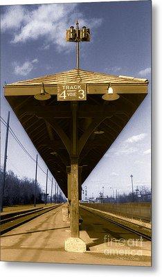 Old Railway Platform Metal Print by Gordon Wood
