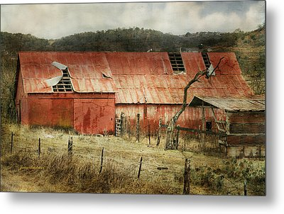 Metal Print featuring the photograph Old Red Barn by Joan Bertucci