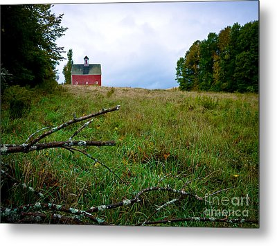 Old Red Barn On The Hill Metal Print by Edward Fielding