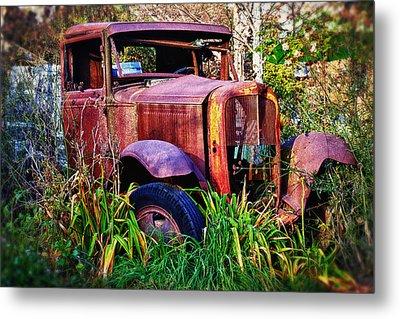 Old Rusting Truck Metal Print by Garry Gay