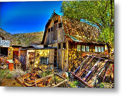 Old Shed Metal Print by Jon Berghoff