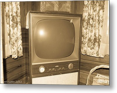 Old Television Metal Print by Shannon Harrington