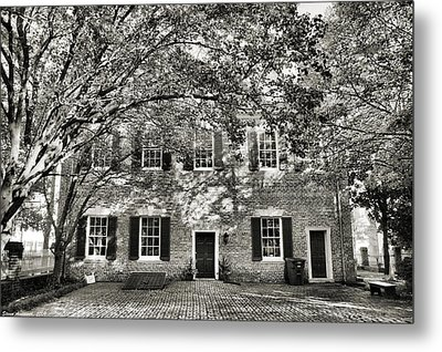 Old Town Backyard Metal Print by Steven Ainsworth