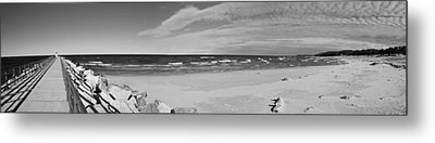 Onekama Pier And Beach In Black And White Metal Print