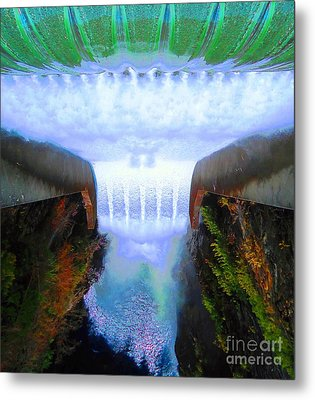 Metal Print featuring the photograph Over The Edge by Ann Johndro-Collins