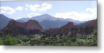 Panoramic Garden Of The Gods Metal Print