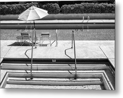 Peaceful Oasis Bw Palm Springs Metal Print by William Dey