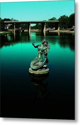 Metal Print featuring the photograph Pearl Of The Rios Concho by Louis Nugent