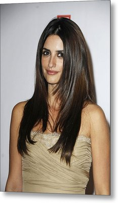 Penelope Cruz At Arrivals For The Metal Print by Everett