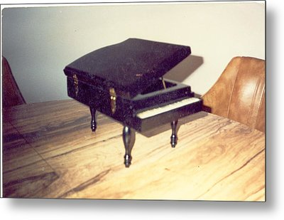 Piano Musical Box Metal Print by Val Oconnor