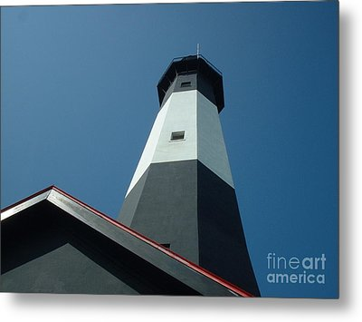 Pierce The Sky Metal Print by Mark Robbins
