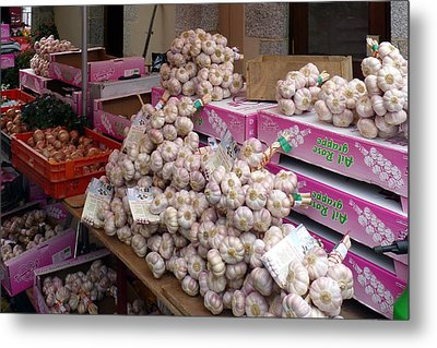 Pink Garlic Metal Print by Carla Parris