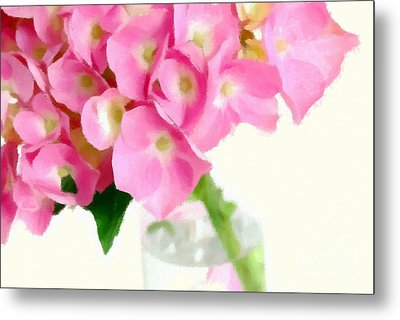 Pink Hydrangea In A Glass Vase Metal Print by Anne Kitzman
