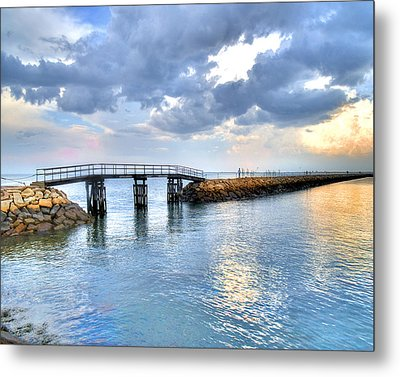 Plymouth Sunset Metal Print by Tammy Wetzel