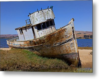 Point Reyes Beached Boat Metal Print by Garry Gay
