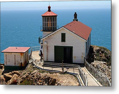Point Reyes Lighthouse In California 7d15997 Metal Print by Wingsdomain Art and Photography