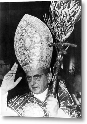 Pope Paul Vi, Blessing Crowd In St Metal Print by Everett