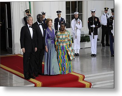 President And Laura Bush Welcome Ghanas Metal Print by Everett