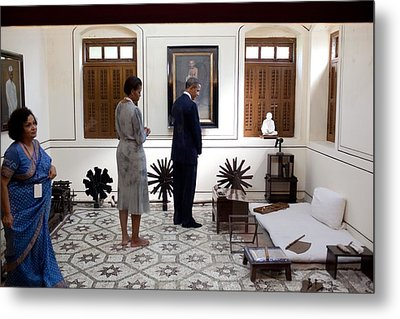 President And Michelle Obama Tour Metal Print by Everett