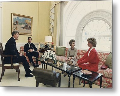 President And Nancy Reagan Having Tea Metal Print by Everett